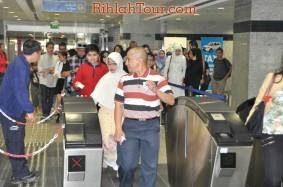Menaiki Monorail Menuju ke Palm Islands